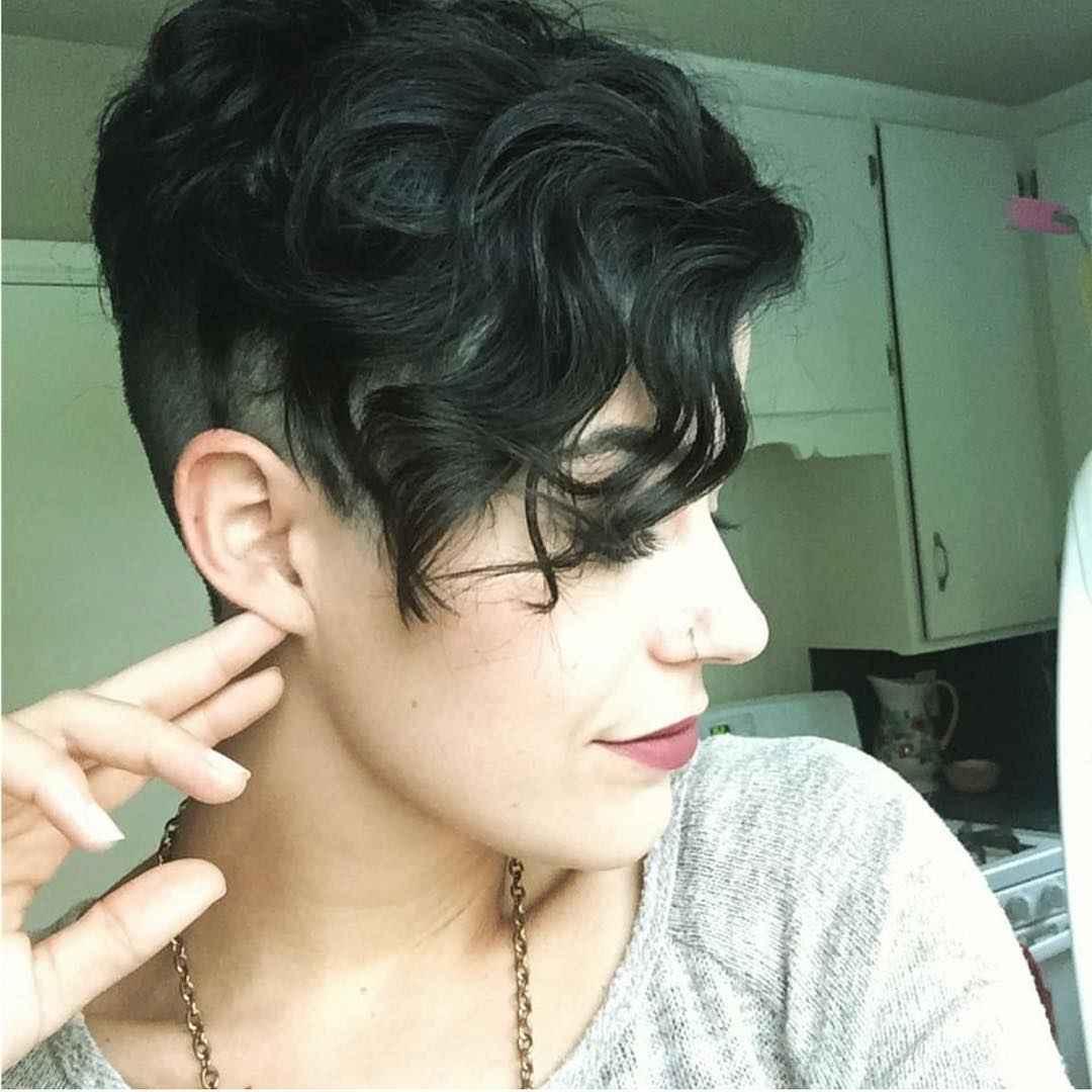 Стрижка пикси на кудрявые и волнистые волосы фото_18