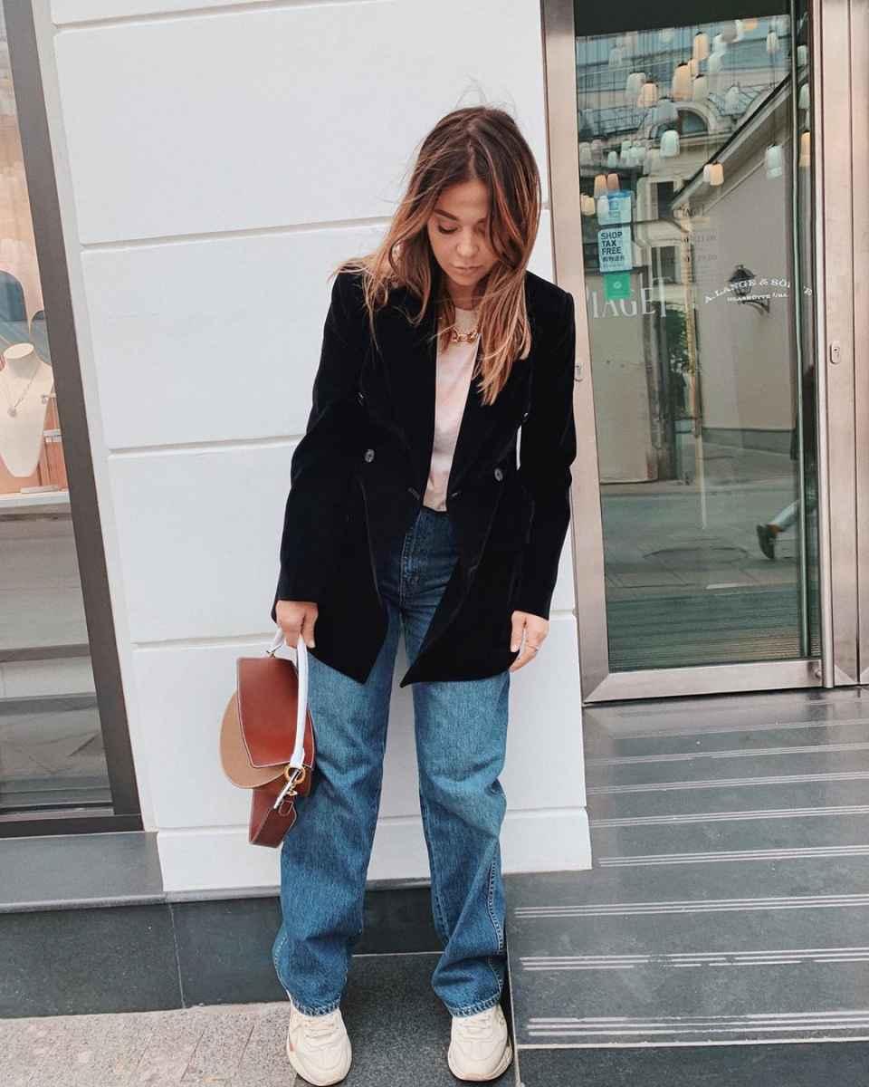 С чем носить коричневую сумку фото_19