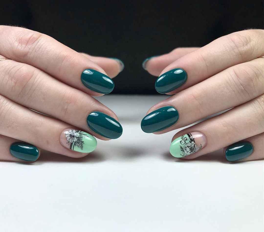 Зеленый френч на ногтях фото_14