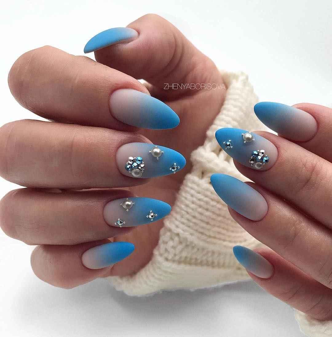 Необычный френч на ногтях фото_23