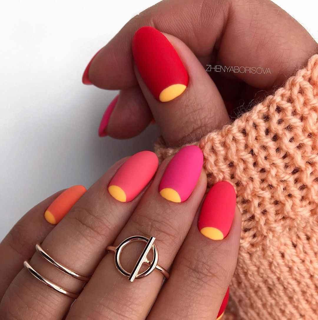 Необычный френч на ногтях фото_19