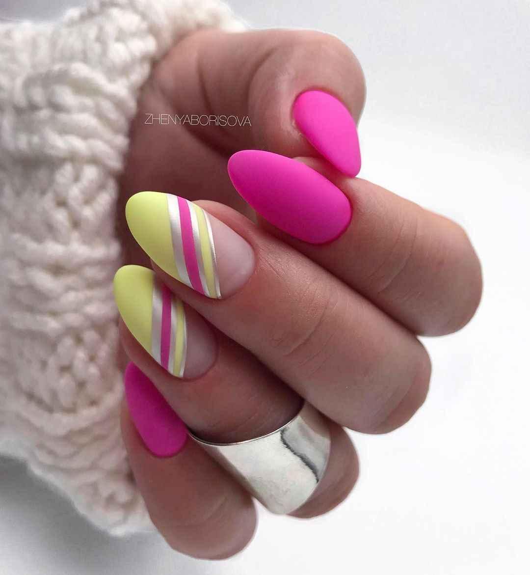 Необычный френч на ногтях фото_14