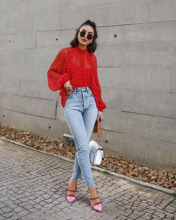 С чем носить красную рубашку фото_18