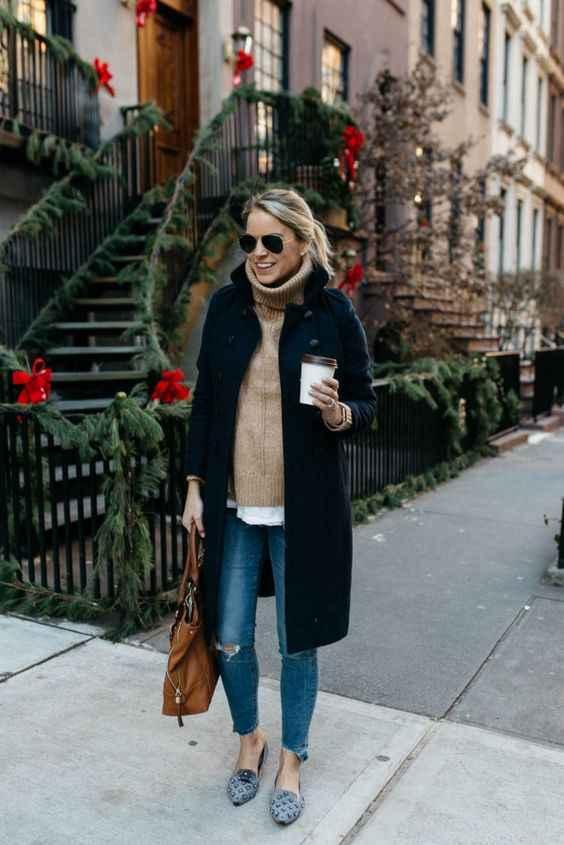 С чем носить темно-синее женское пальто фото_1
