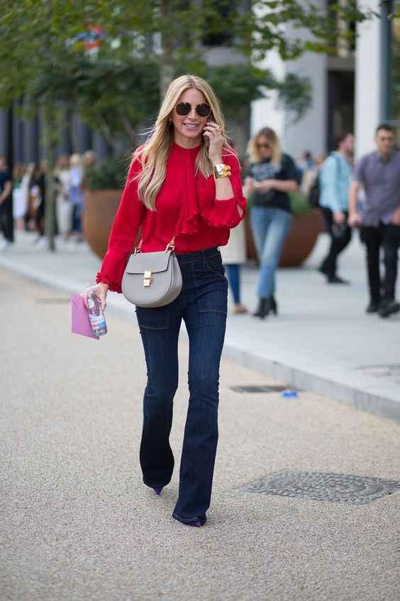 С чем носить красную рубашку фото_16
