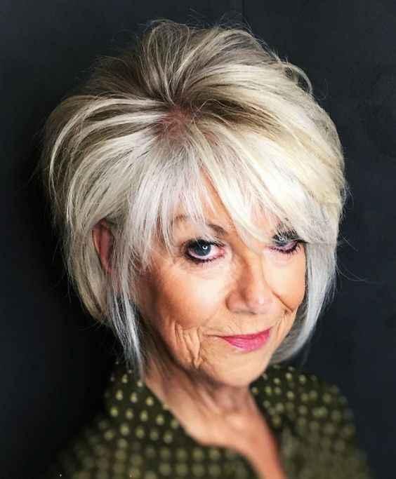 стрижки, которые подходят тонким волосам возрастных женщин фото_2