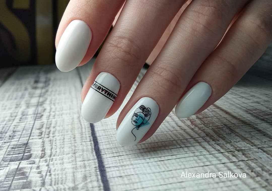 Маникюр с лицами на ногтях фото_26