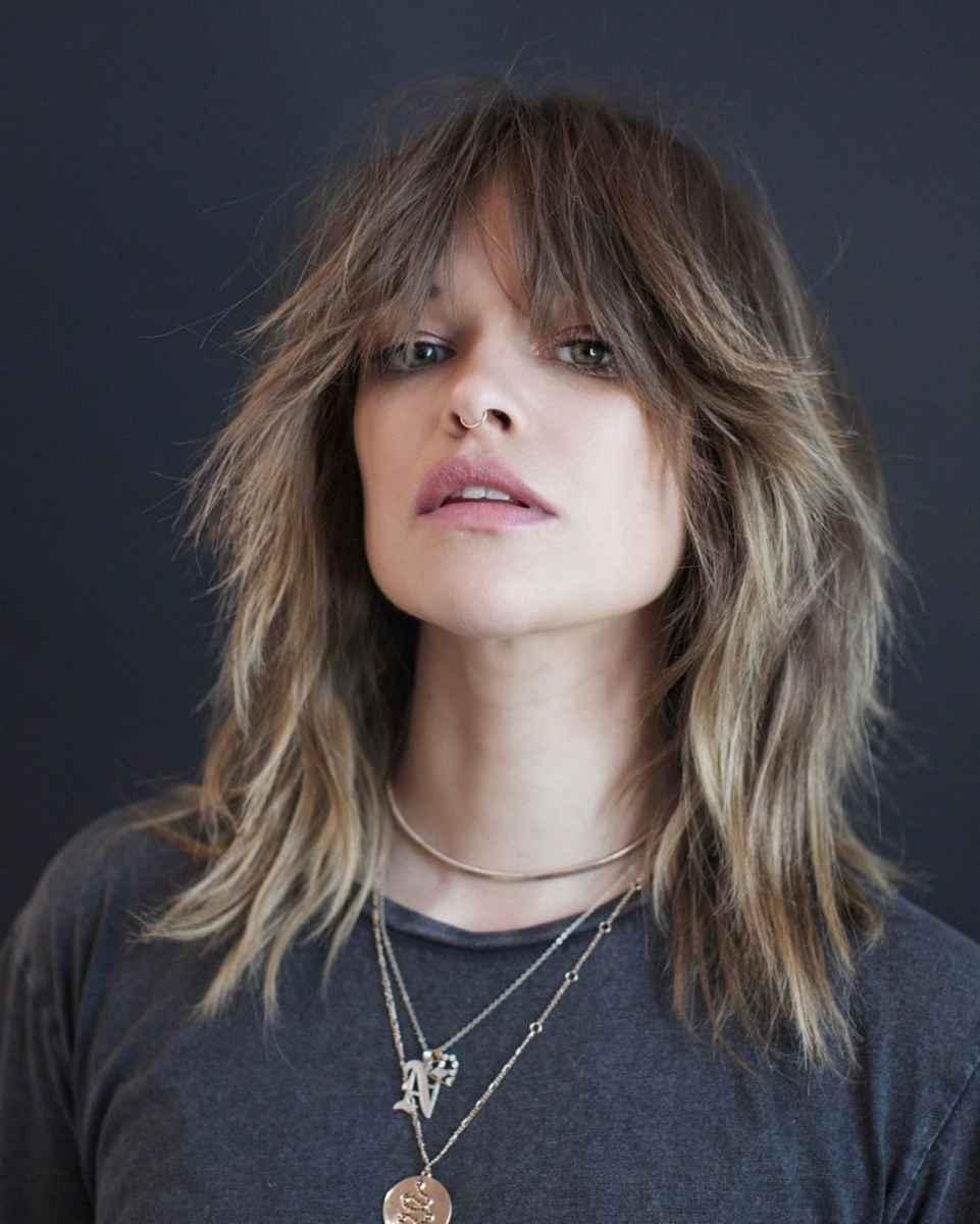 стрижки, которые подходят тонким волосам возрастных женщин фото_3