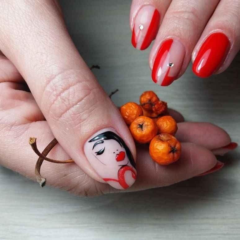 Маникюр с лицами на ногтях фото_23