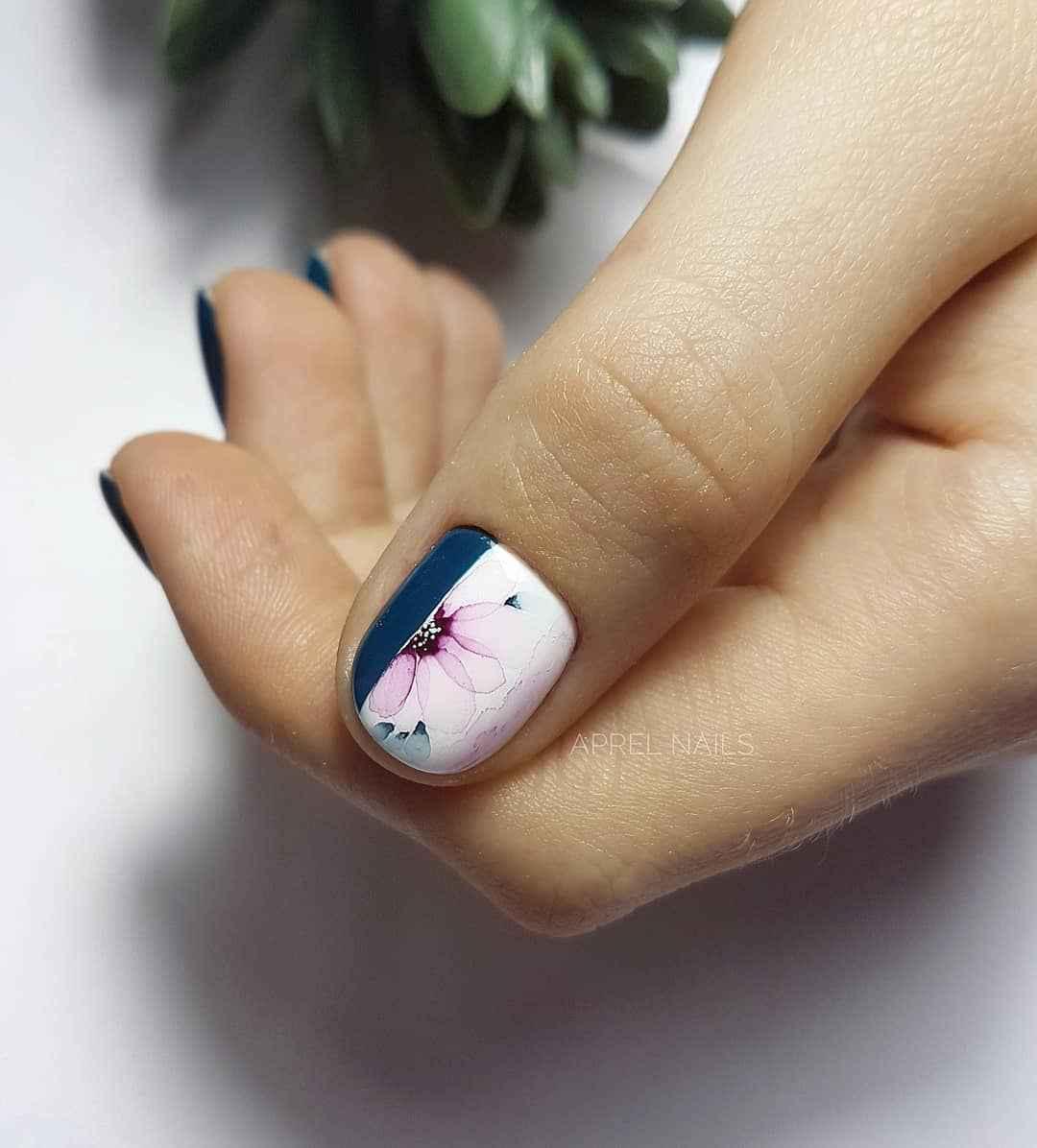 Акварельные капли на ногтях фото_55
