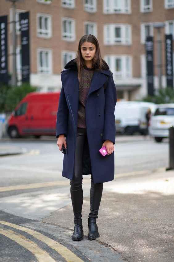 С чем носить темно-синее женское пальто фото_4