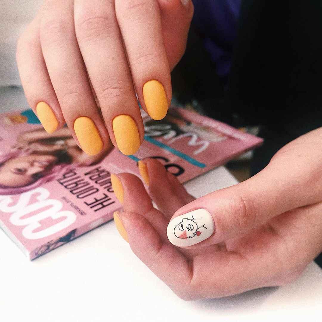 Маникюр с лицами на ногтях фото_27