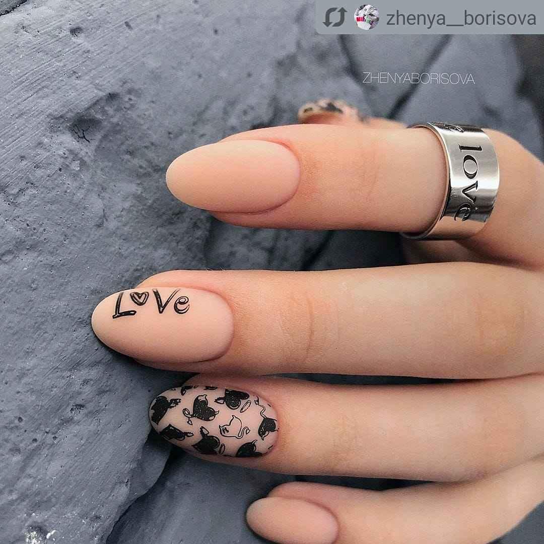 Зимний маникюр на короткие ногти фото_1