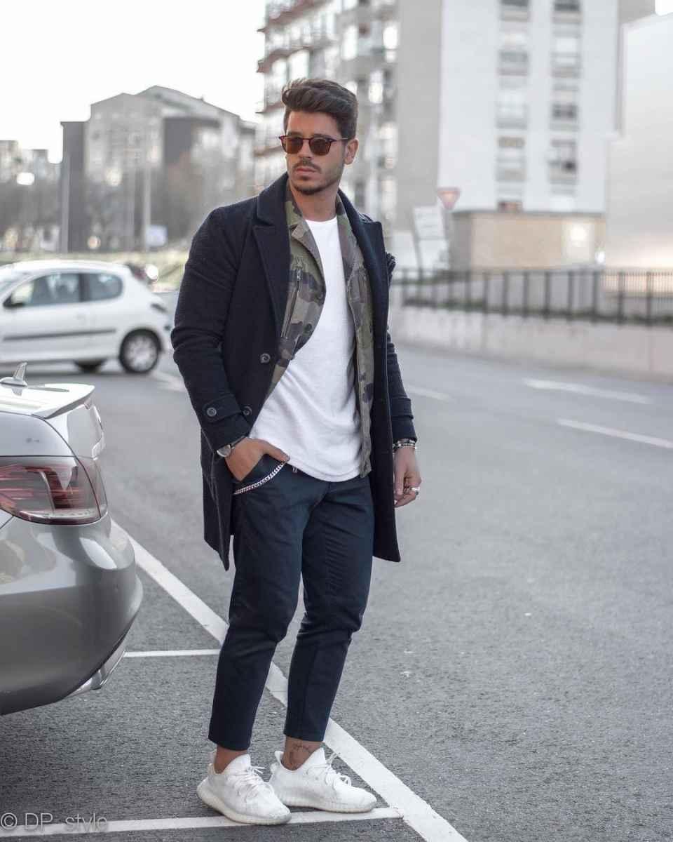 С чем носить темно-синее мужское пальто фото_16