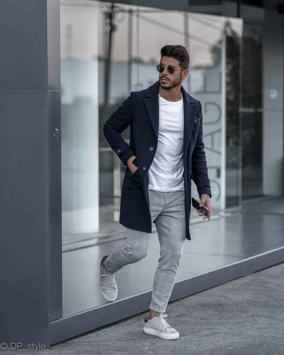 С чем носить темно-синее мужское пальто фото_14