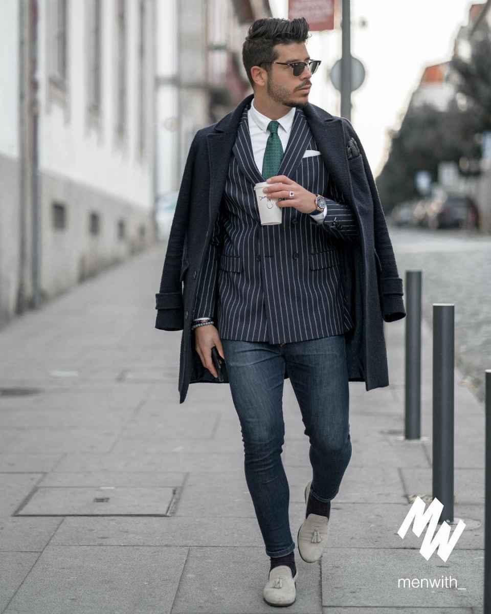 С чем носить темно-синее мужское пальто фото_11