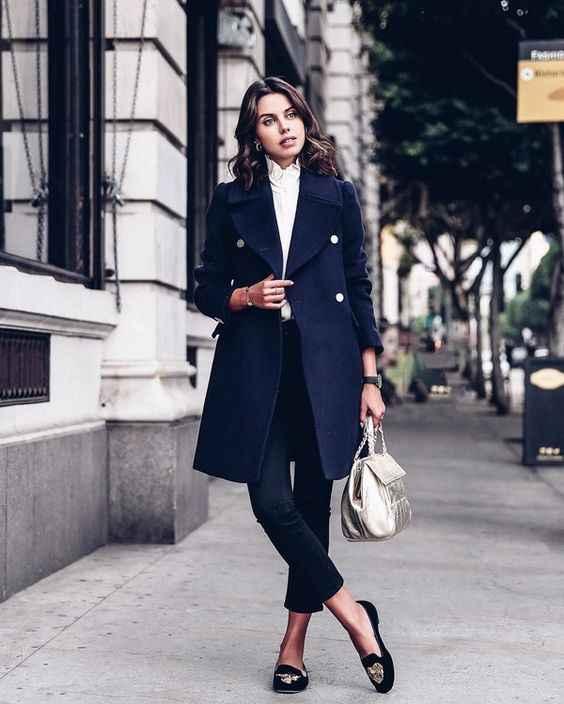 С чем носить темно-синее женское пальто фото_6