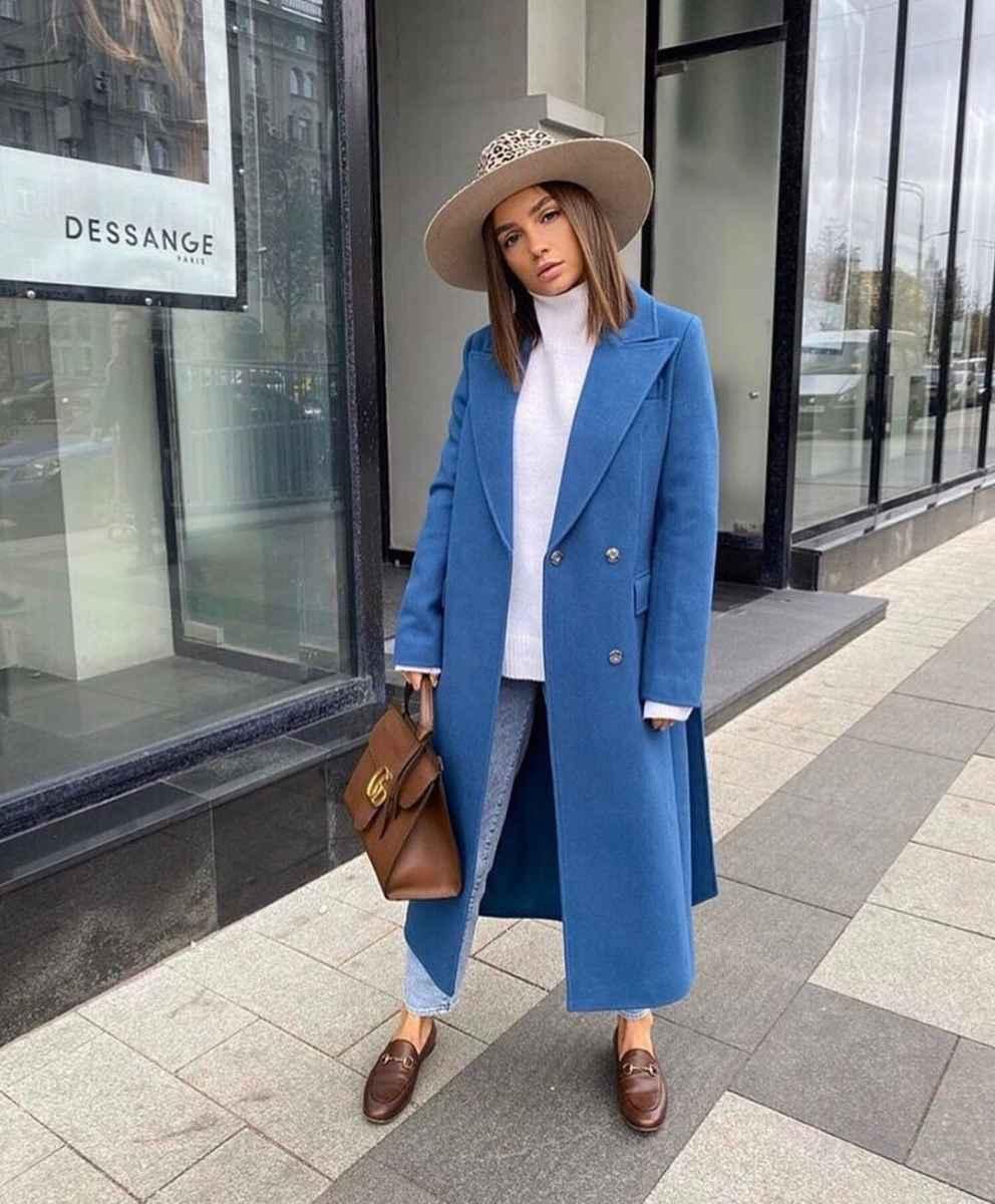 С какой шапкой носить темно-синее пальто фото_5