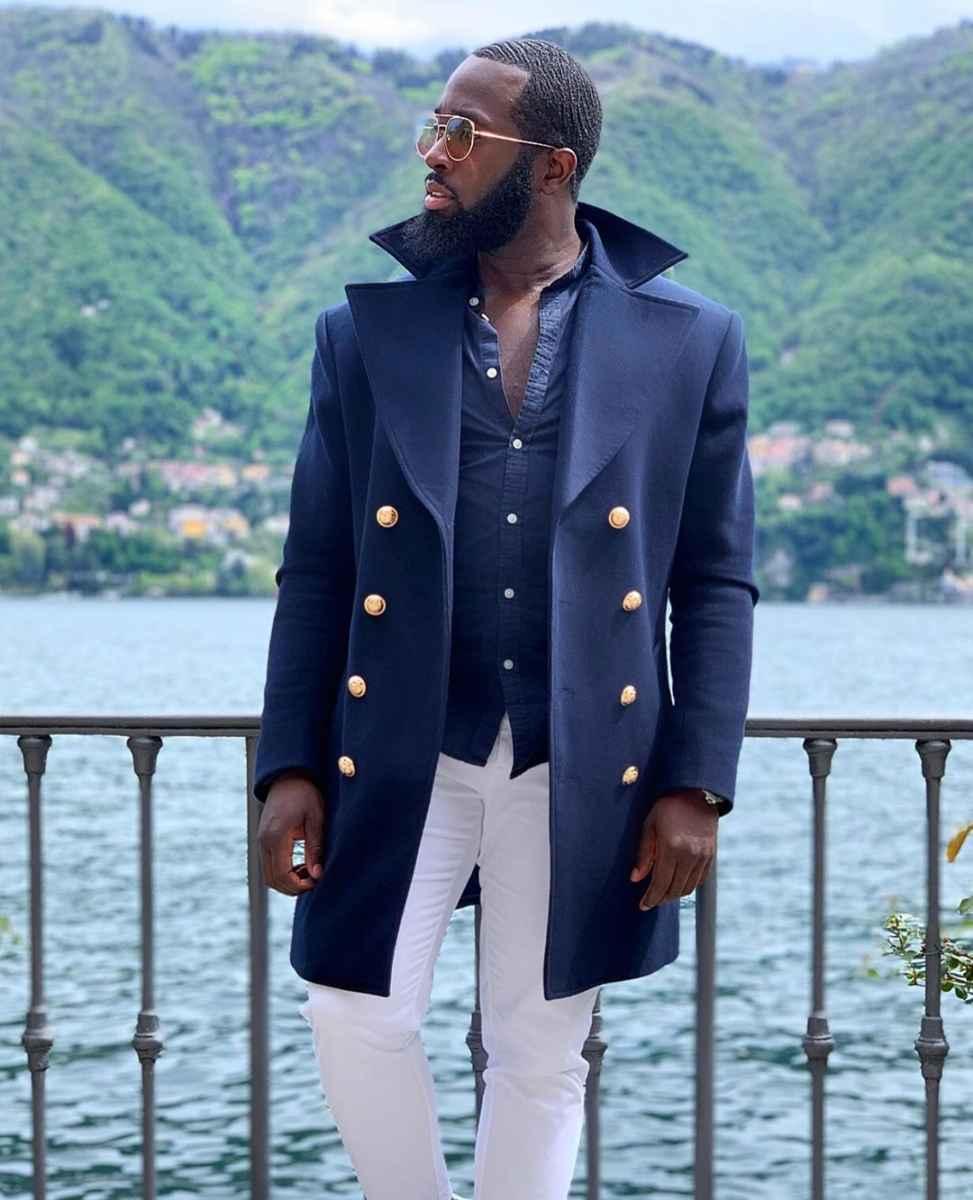 С чем носить темно-синее мужское пальто фото_3