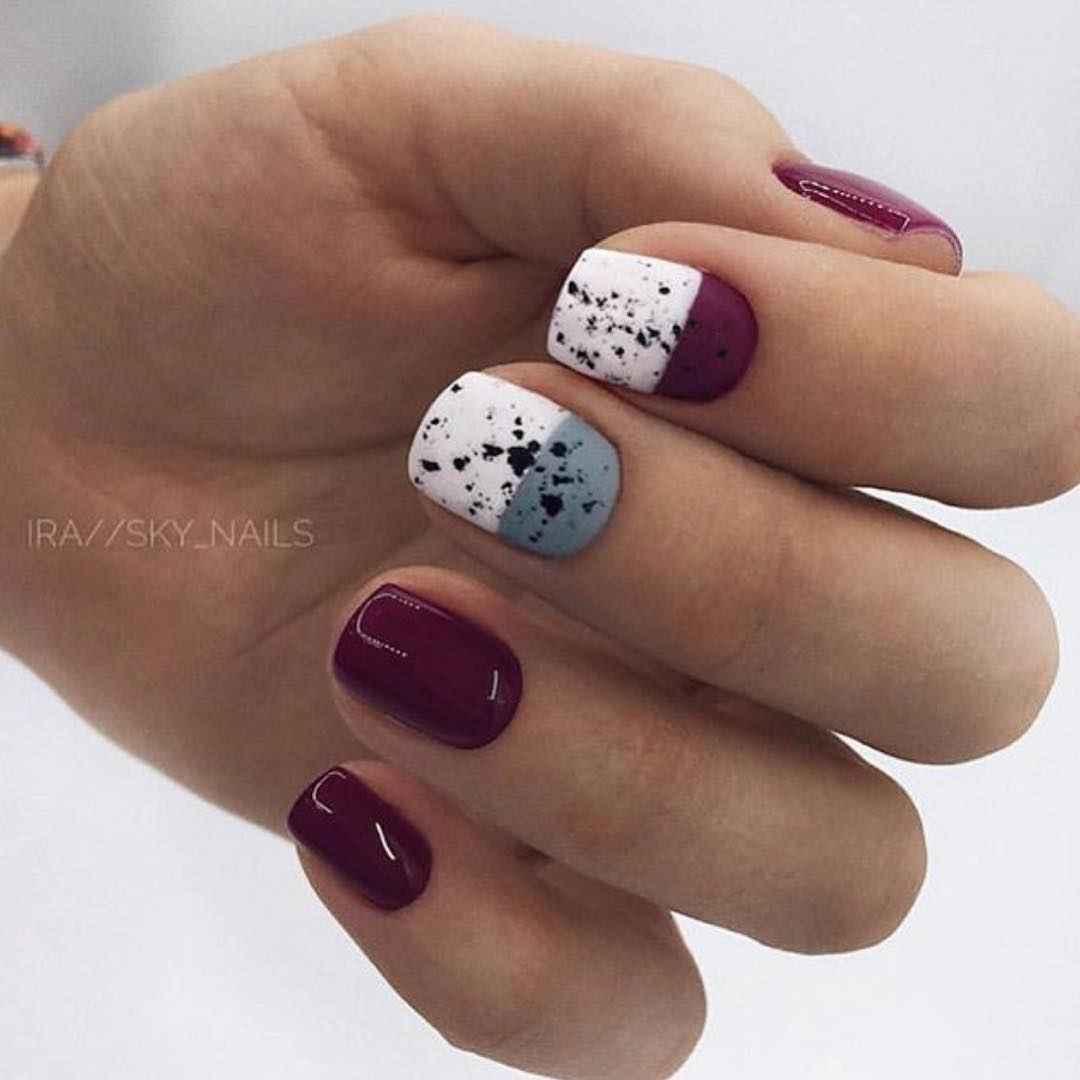 Зимний маникюр на короткие ногти фото_7