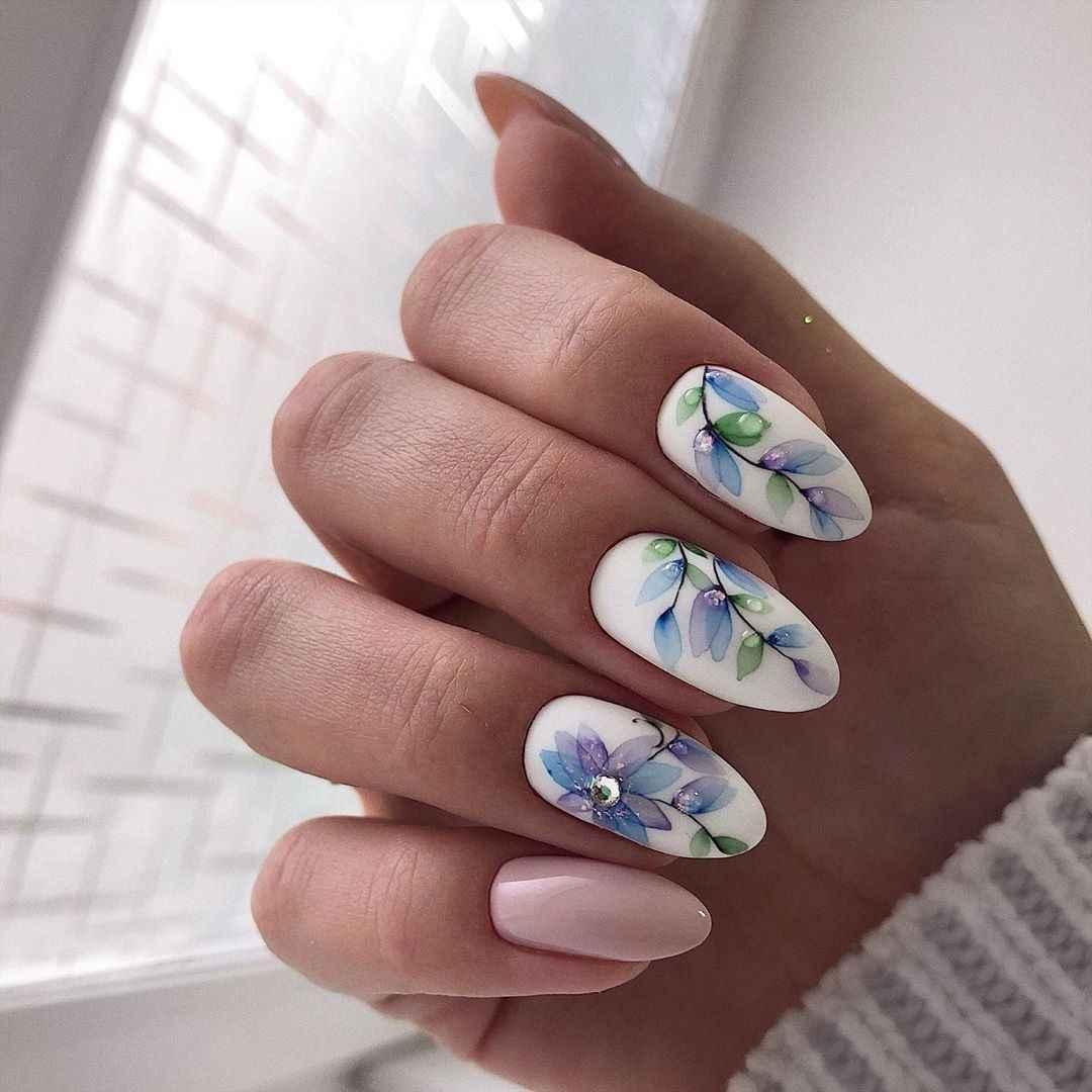 Акварельные капли на ногтях фото_45