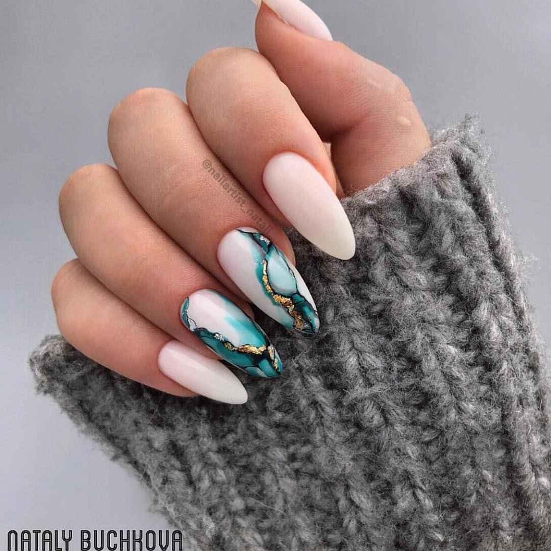 Акварельные капли на ногтях фото_37