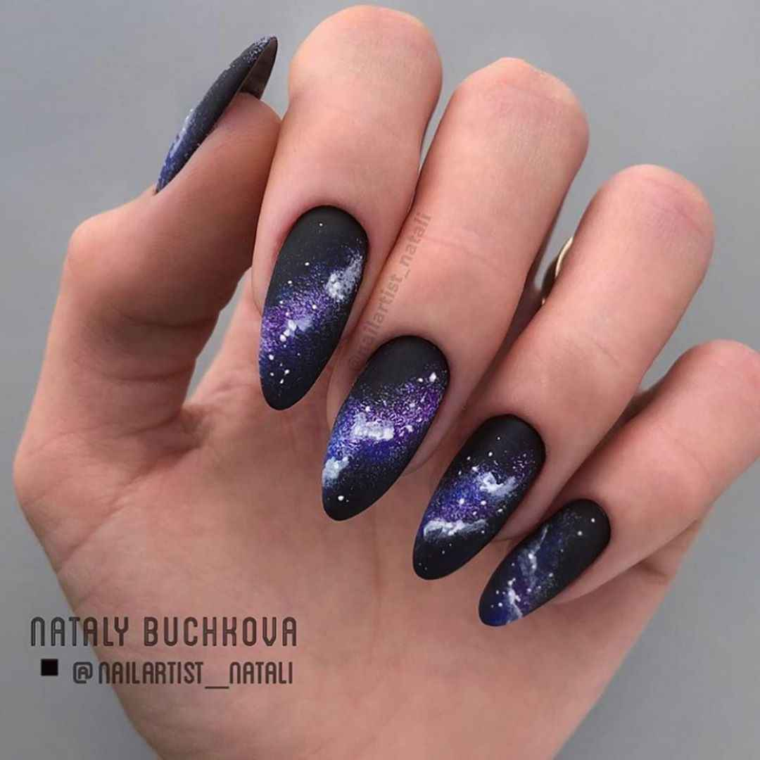 Акварельные капли на ногтях фото_25