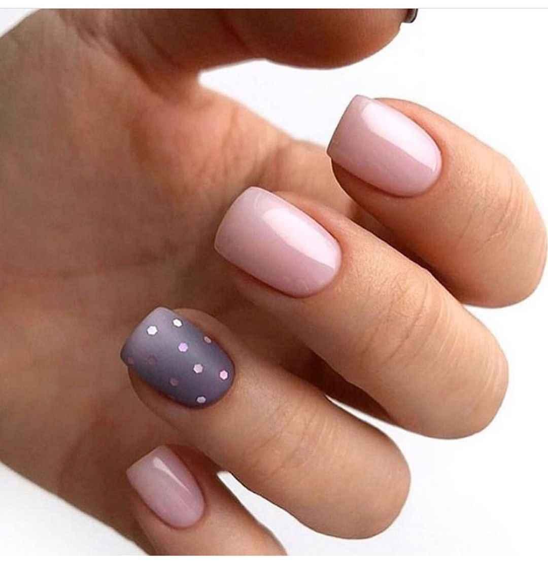 Зимний маникюр на короткие ногти фото_10