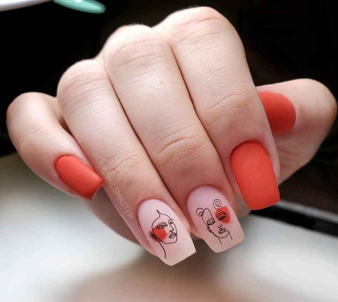 Маникюр с лицами на ногтях фото_10