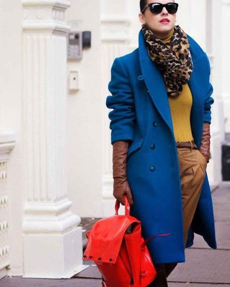 С каким шарфом носить темно-синее пальто фото идеи