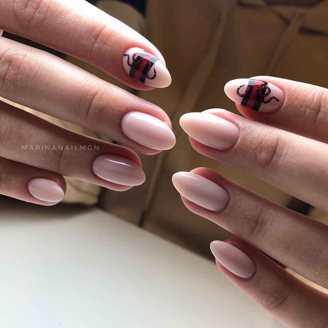 Маникюр на короткие ногти со змеей фото_1