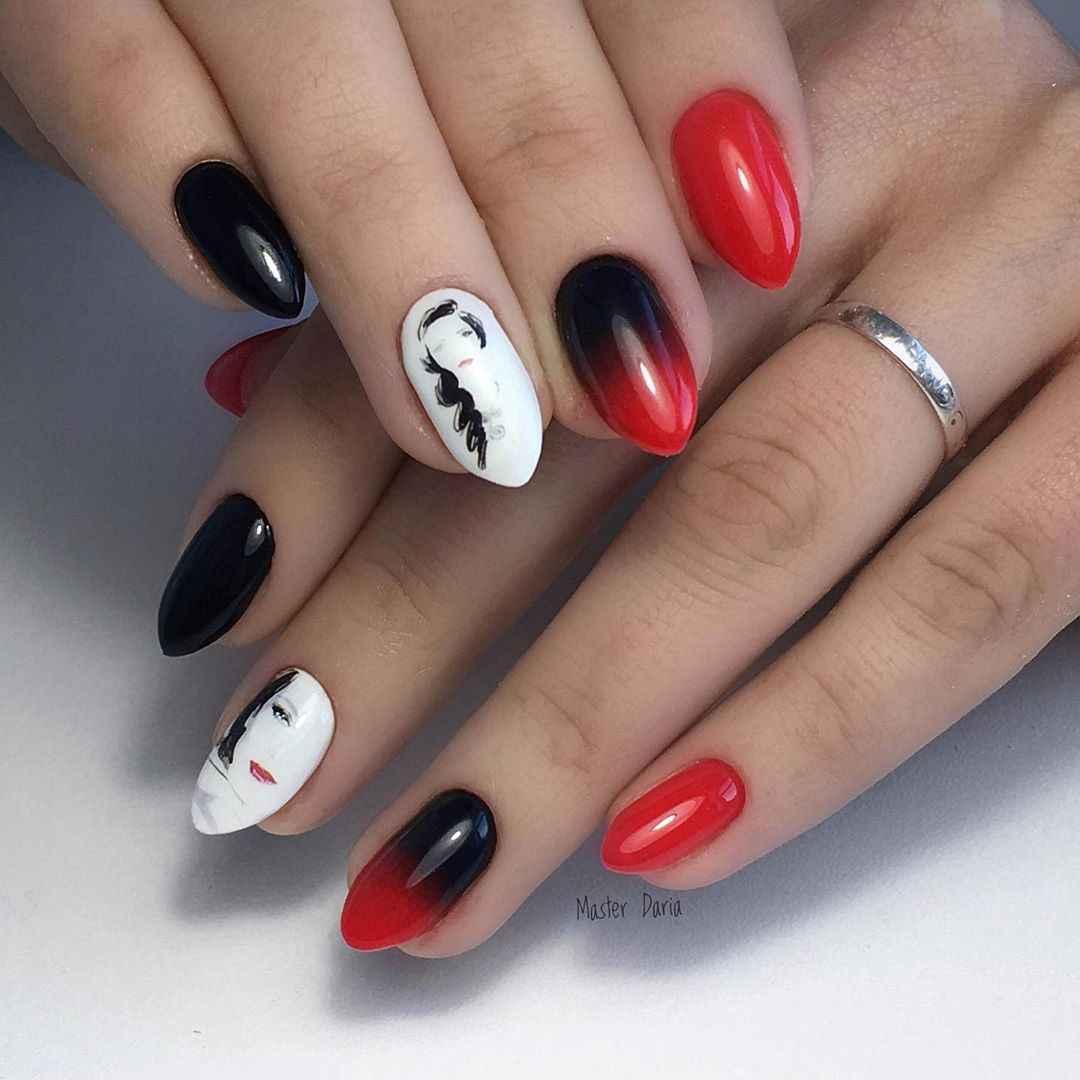 Маникюр с лицами на ногтях фото_42