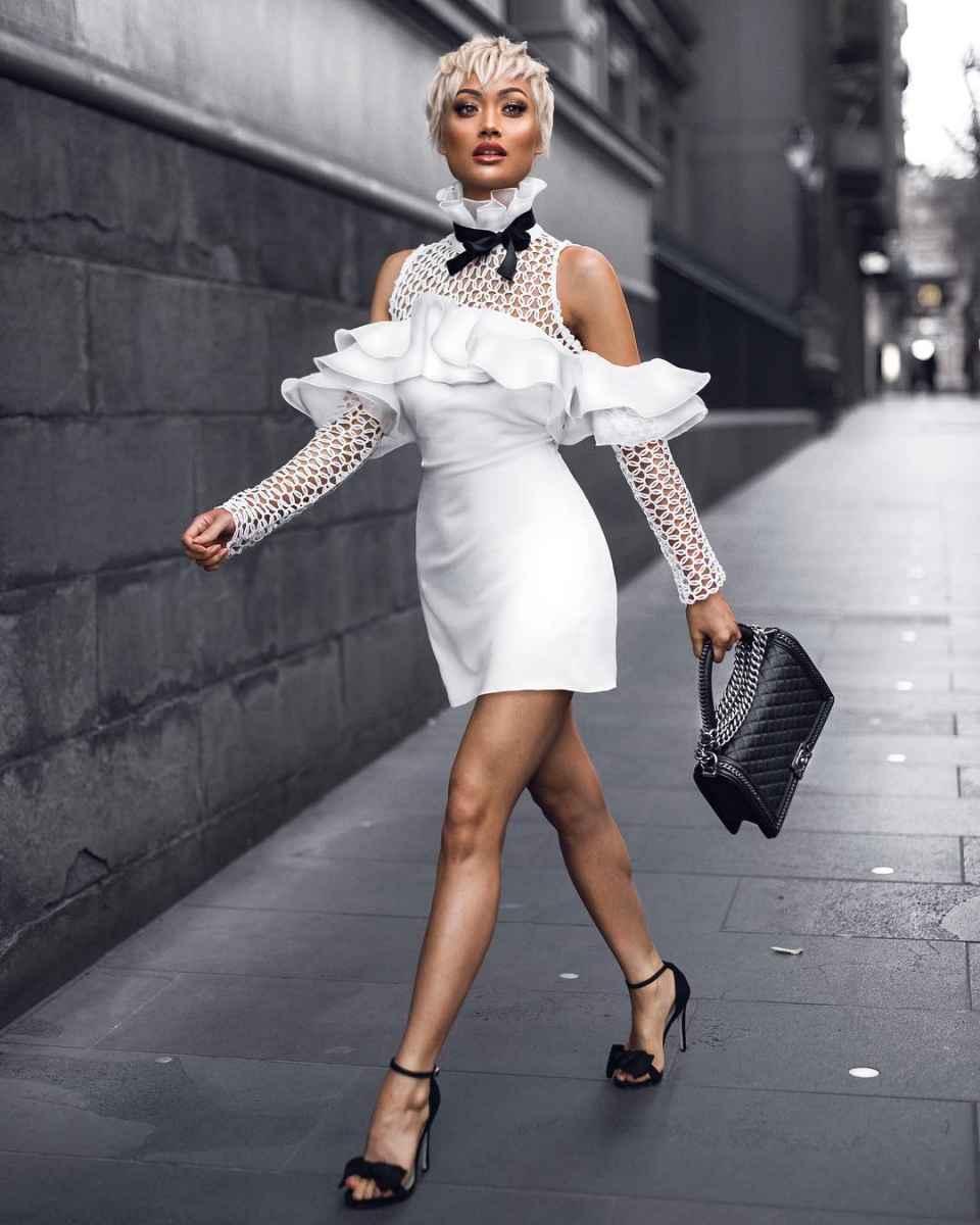 Красивые белые новогодние платья 2020 фото_1