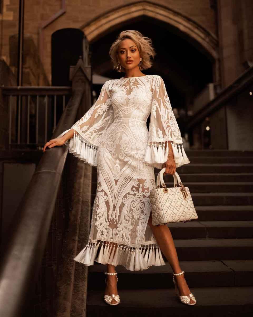 Красивые белые новогодние платья 2020 фото_12