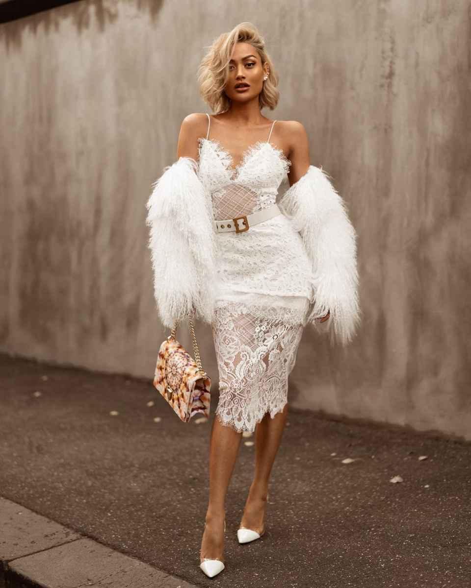 Красивые белые новогодние платья 2020 фото_9