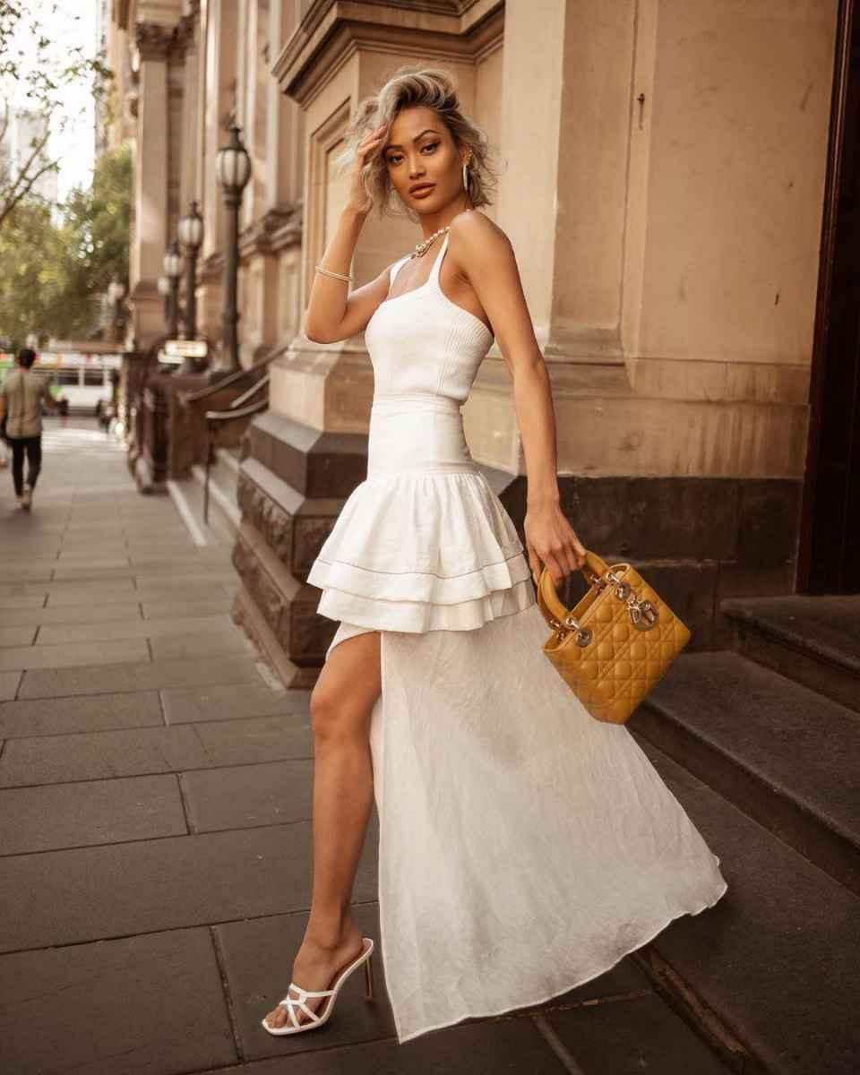 Красивые белые новогодние платья 2020 фото_3