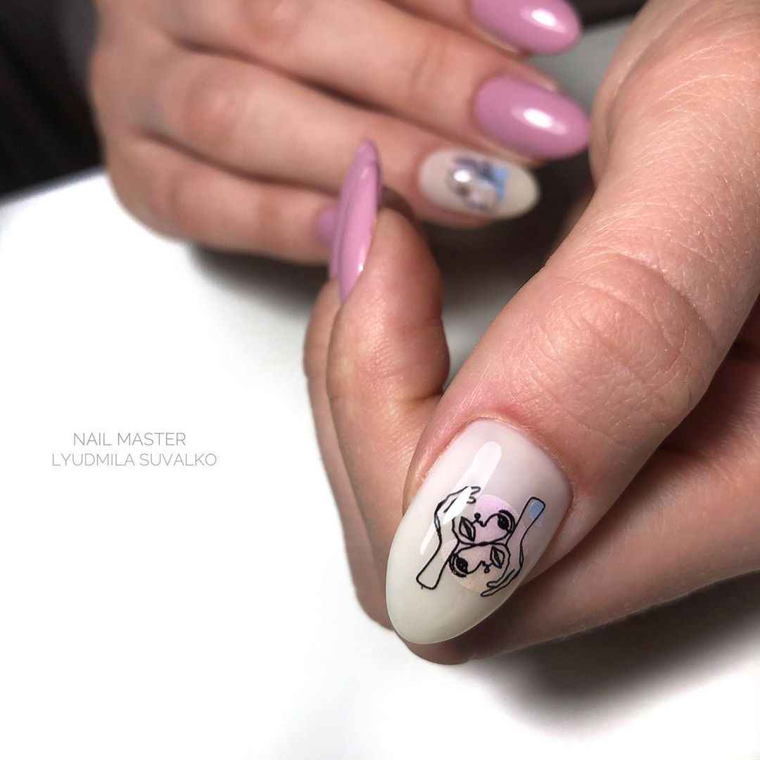 Маникюр с лицами на ногтях фото_49