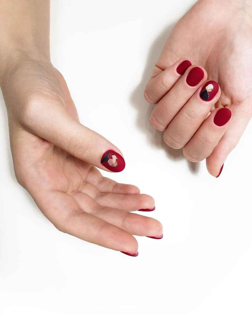 Маникюр с лицами на ногтях фото_20