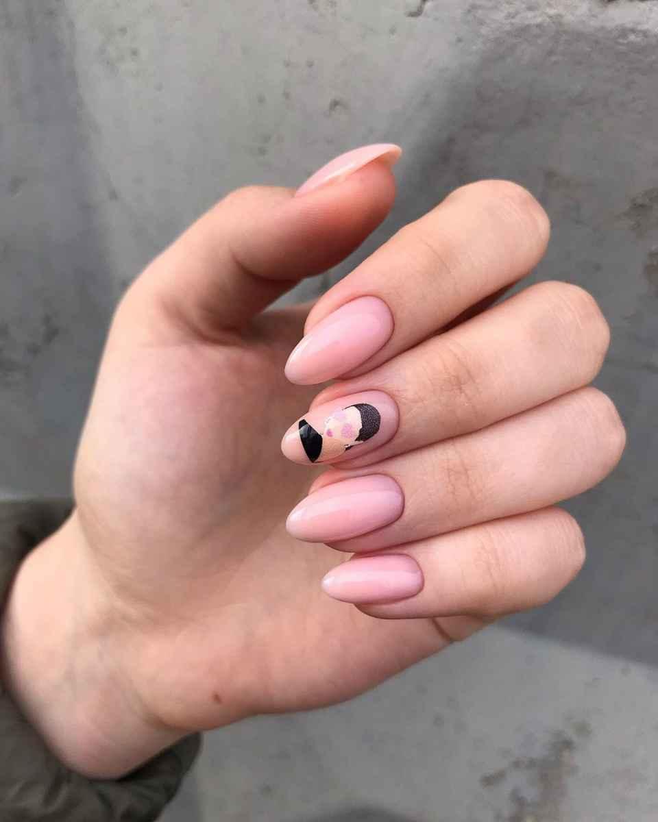 Маникюр с лицами на ногтях фото_33