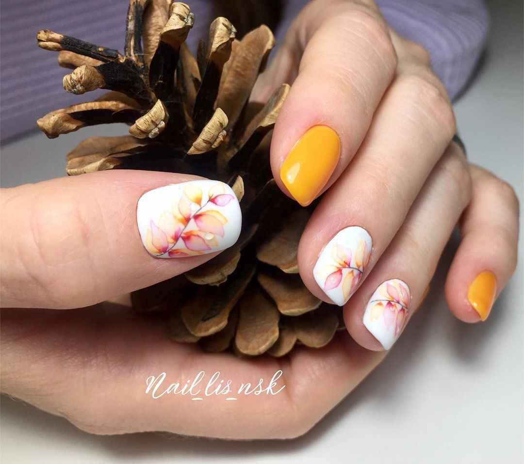 Акварельные капли на ногтях фото_49