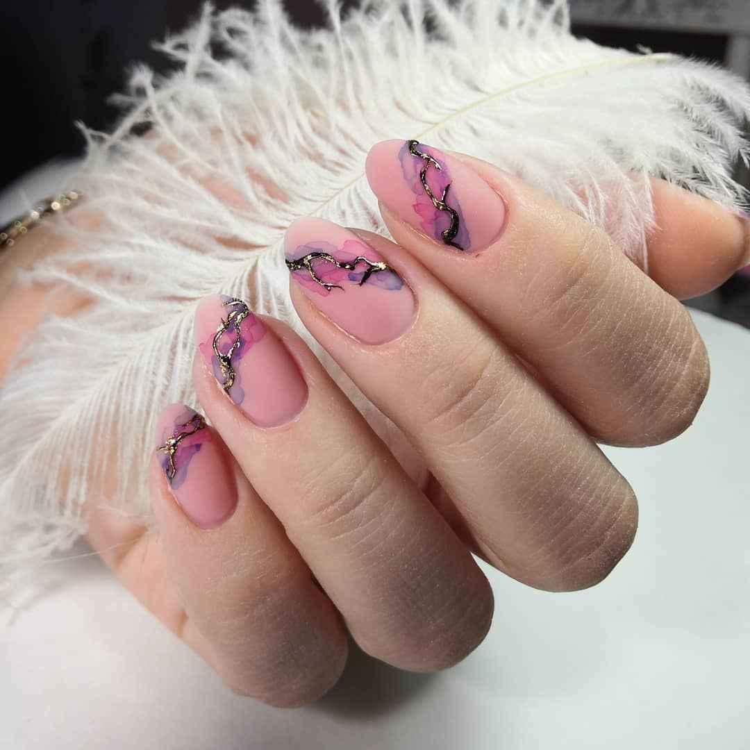 Акварельные капли на ногтях фото_42