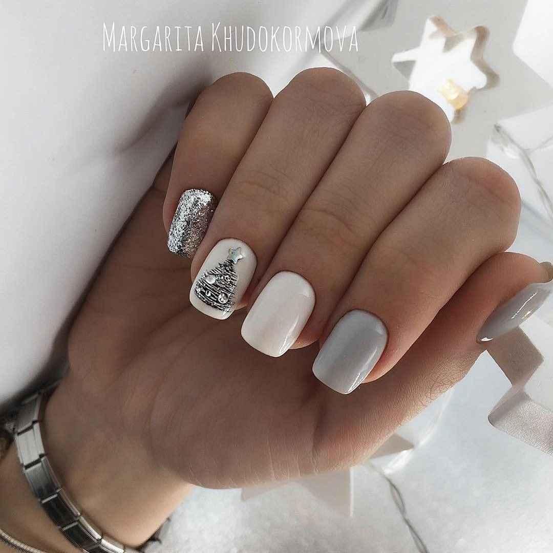 Зимний маникюр на короткие ногти фото_15