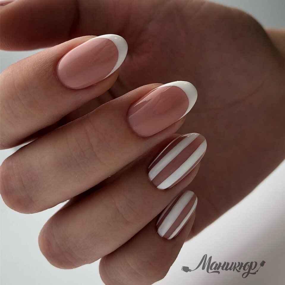 Зимний маникюр на короткие ногти фото_14
