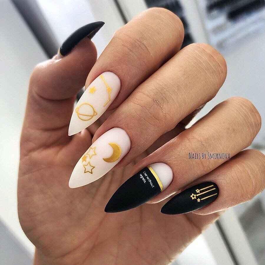 Черный матовый френч на миндалевидных ногтях фото_7