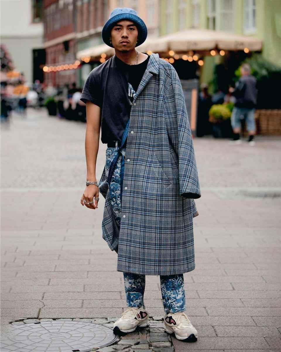 С чем носить темно-синее мужское пальто фото_5