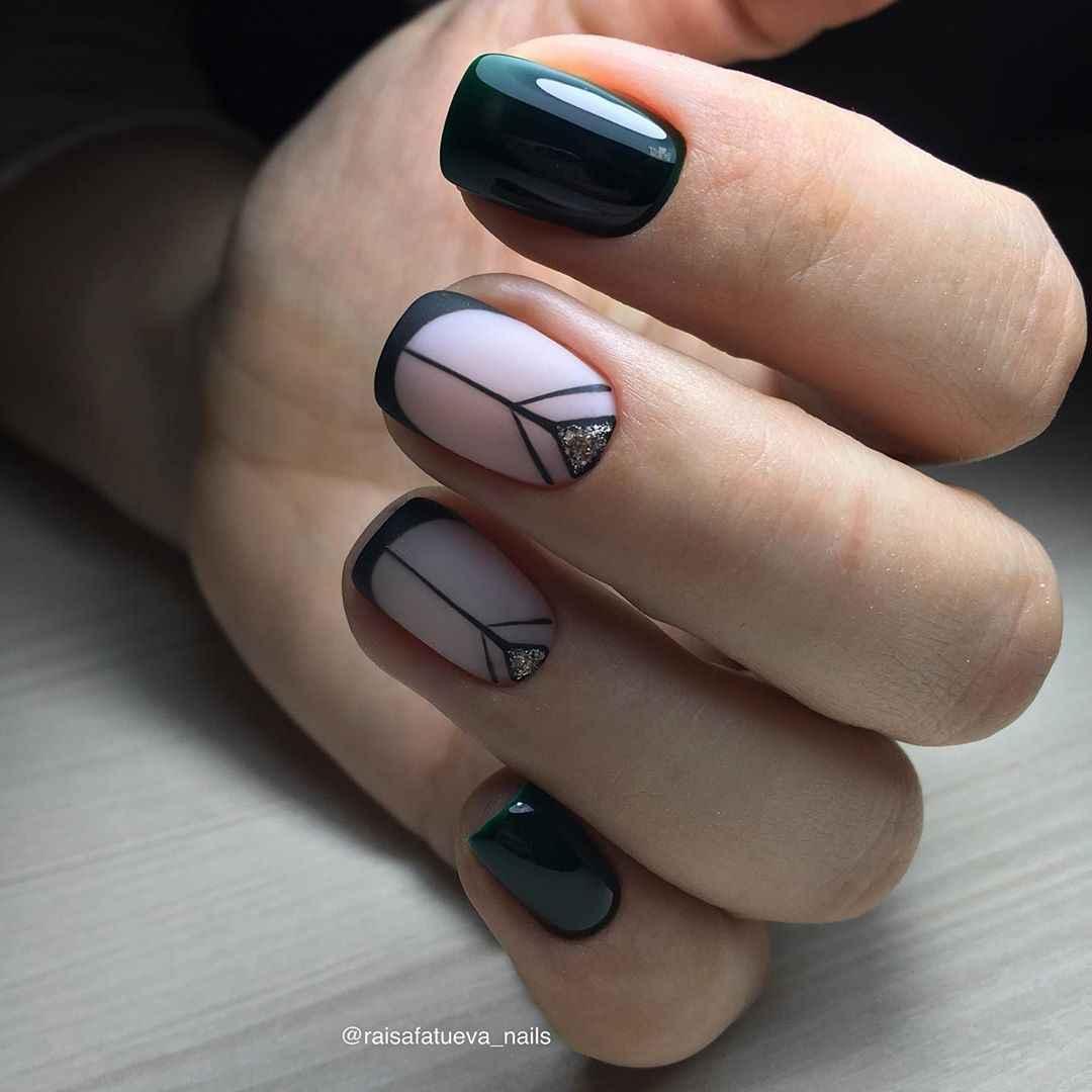 Черный матовый френч на коротких ногтях фото_4