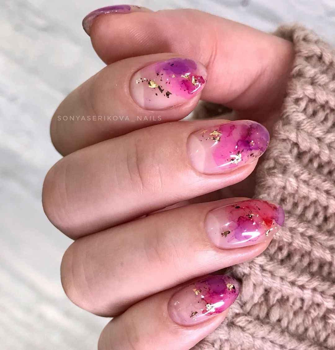 Акварельные капли на ногтях фото_63
