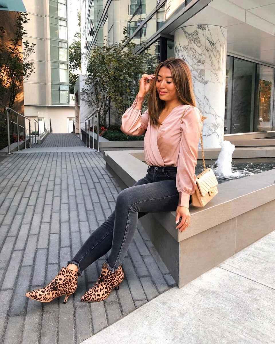 С чем носить леопардовые ботильоны и ботинки фото_11