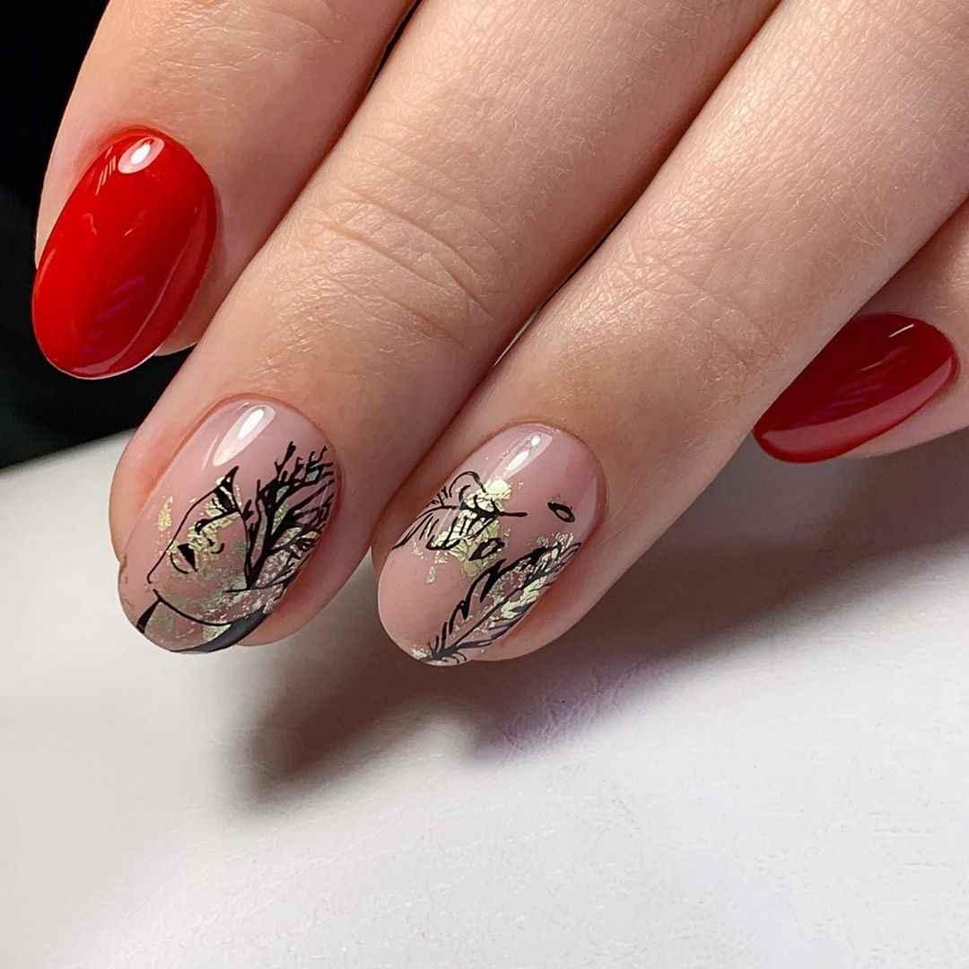 Маникюр с лицами на ногтях фото_45