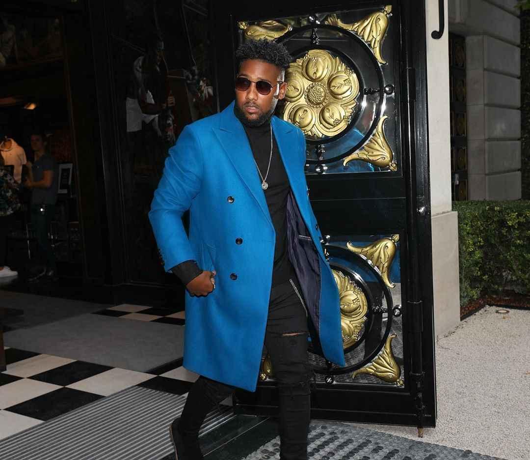С чем носить темно-синее мужское пальто фото_7